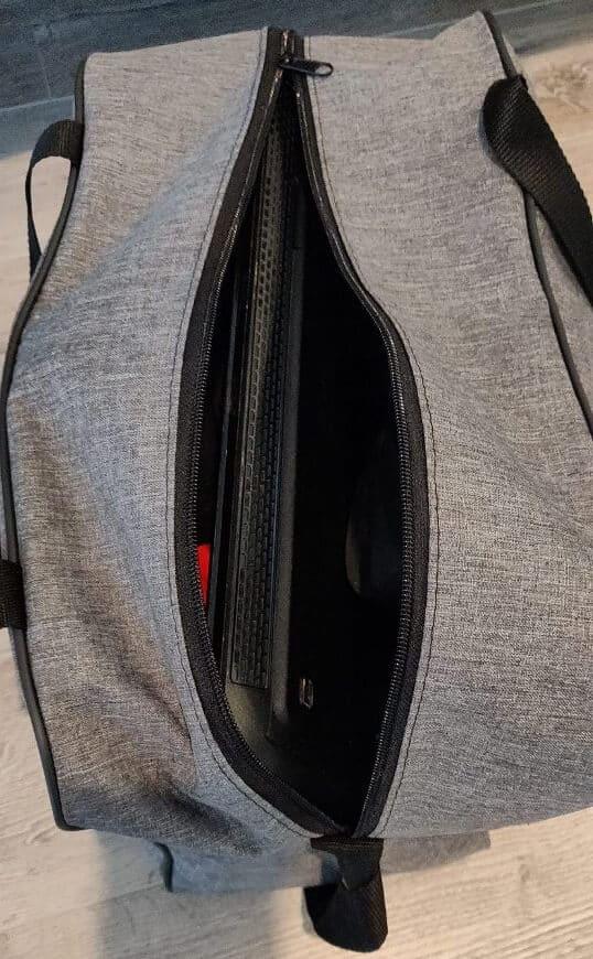 Spakowana torba podróżna