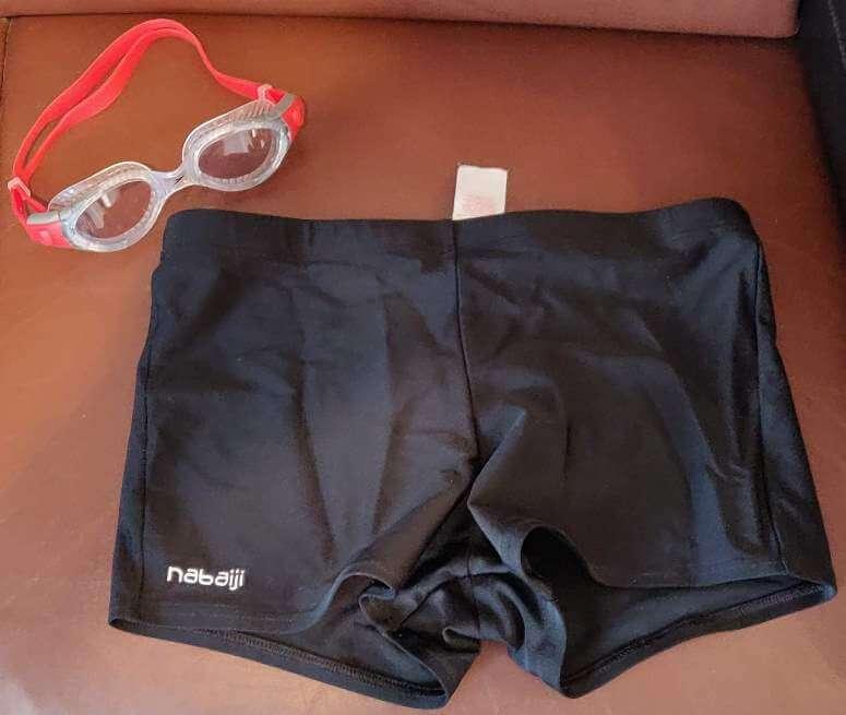 Kąpielówki i okularki pływackie
