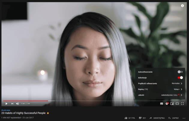 Włączenie napisów w filmie na YouTube